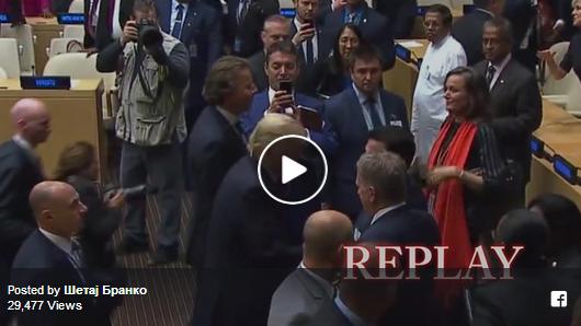 Зоран Заев само се ракувал со американскиот претседател Доналд Трамп