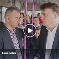 Шилегов и кандидатот на ДУИ за Чаир, Ганиу се возеа со автобус и дискутираа за општината