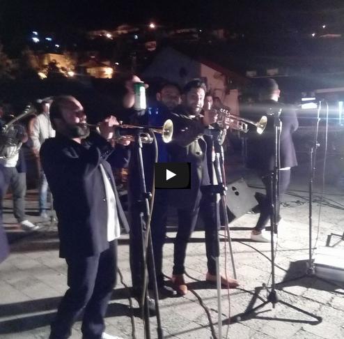 Победата на СДСМ Кратовци ја слават како да се ослободиле од окупатор со Џамбо Агушев