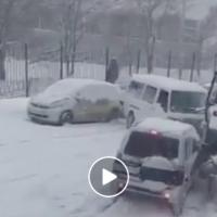 Поради снегот и мразот - голем карамбол во Владивосток, Русија