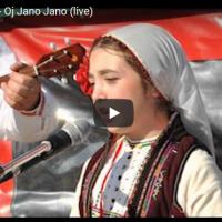 Мила од Македонски Брод ги освои Русите со македонска песна