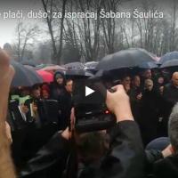 """(ВИДЕО) Во Белград погребан Шабан Шаулиќ со рефренот на песната посветен на сопругата Гоца:""""Не плачи душо…"""""""