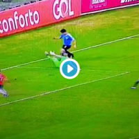 Циркус: Суарез бараше пенал зошто голманот играше со рака…