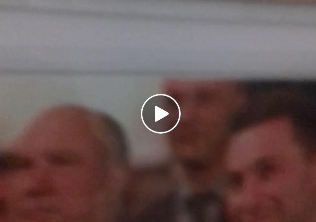 """""""Шпионско"""" видео на Саше Политико од белата палата на ДПМНЕ – насекаде фотографии од Груевски"""