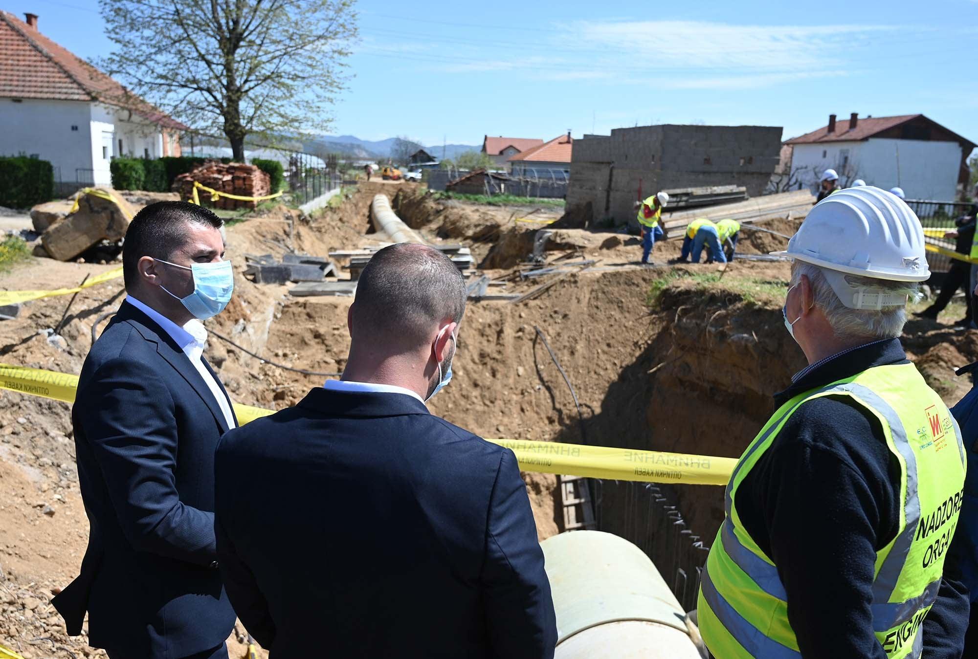 """Вода за нови 2150 хектари – Во завршна фаза е """"Проектот за наводнување на јужната долина на реката Вардар"""""""
